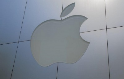 Apple moves into virtual reality
