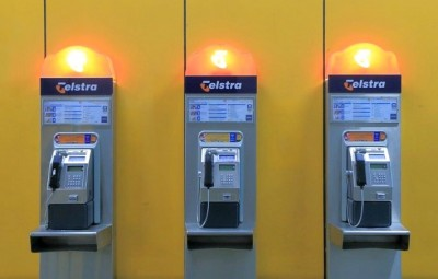 Telstra's payphones and rural phones under review