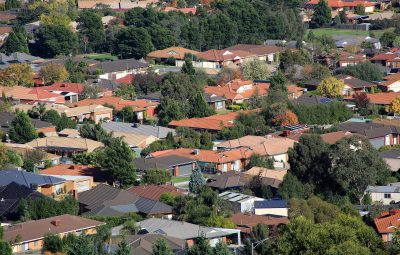 OECD warns of housing crash