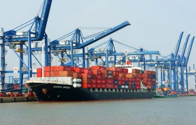 Trade deficit worsens, sparking fears of recession