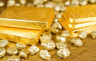 Weaker US dollar and geopolitical tensions send gold to new highs