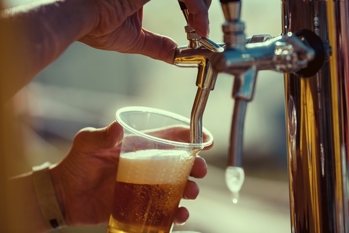 Craft beers not locked out of Carlton United Breweries and Lion beer taps: ACCC