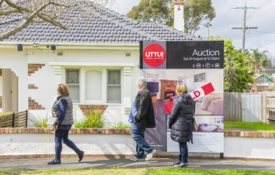 HIA survey shows home sales crashing to a four year low