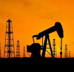 Oil price sinks, snapping rally