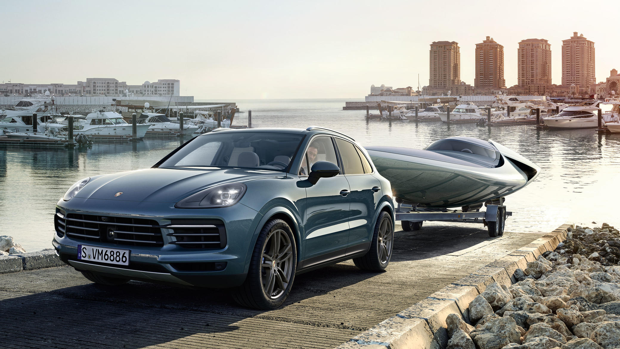 Bfm Even More 911 In An Suv The New Porsche Cayenne Turbo